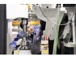 王时龙团队——研出全国首台全数控高效大型滚齿机